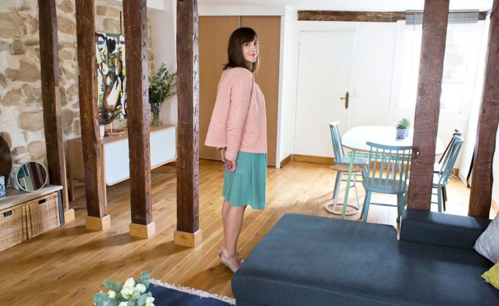 Amandine chez elle, prise en photo par Anne-Sophie, du blog Inside Closet !